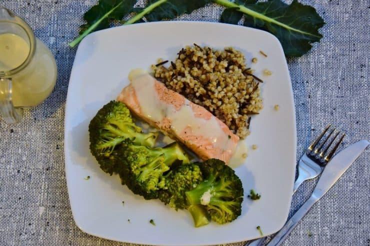 Łosoś na parze z brokułami, ryżem i kremowym sosem Thermomania Thermomix