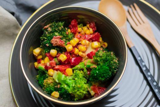 Brokuły z sosem orzechowym - obiad, lunch, sałatka Thermomania Thermomix
