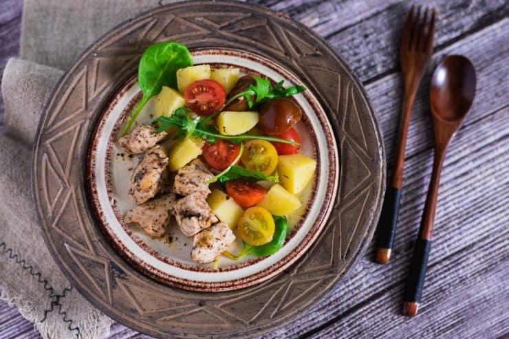 Sałatka z kurczakiem i ziemniakami - na ciepło i na zimno Thermomania Thermomix